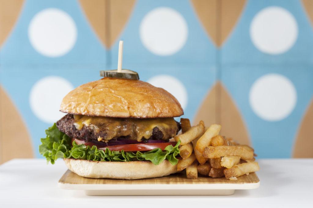 luna cafe burger